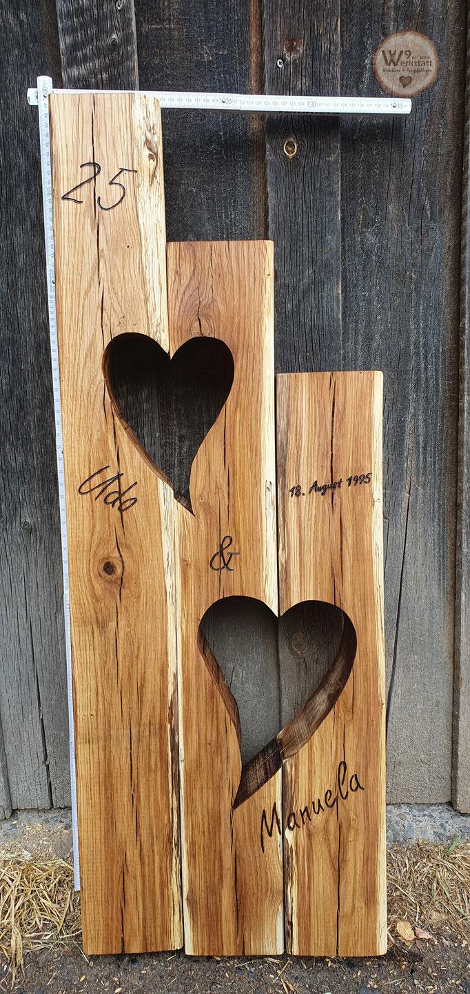 Persoenliches_Hochzeitsgeschenk_aus_Holz
