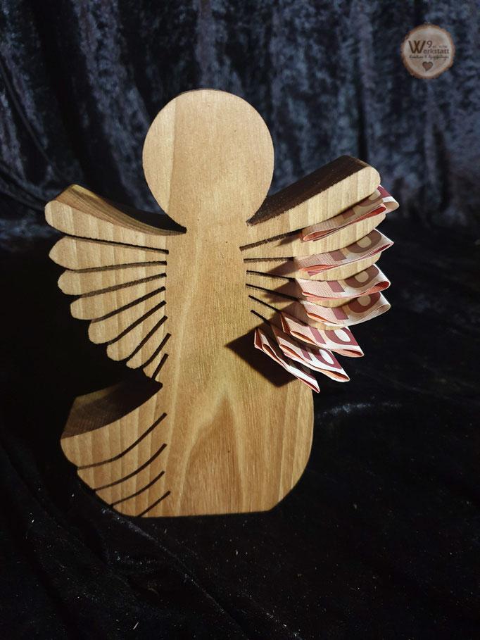 Persoenliches_Geschenk_zur_Kommunion_aus_Holz