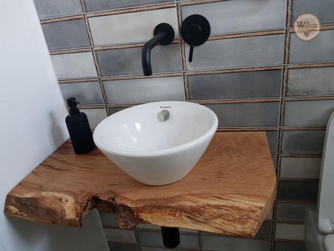 Waschtisch_natuerliche_Baumkante