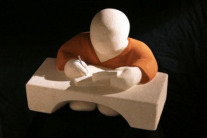 """""""Barnabé, l'écrivain"""" - sculpture en pierre du Gard -"""