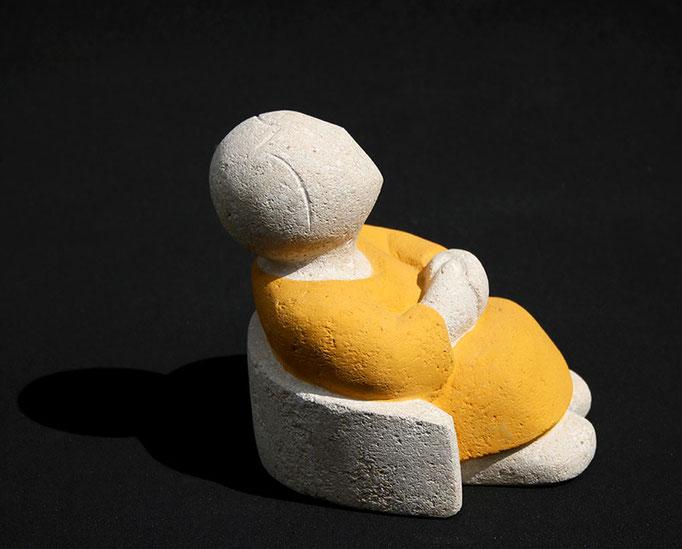 """""""Pétronille, le temps suspendu"""" - sculpture en pierre du Gard - 17x15x16 cm"""