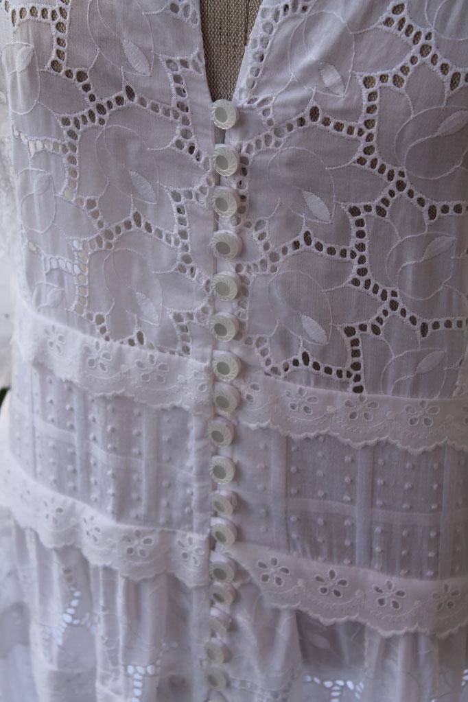 Robe longue en dentelle