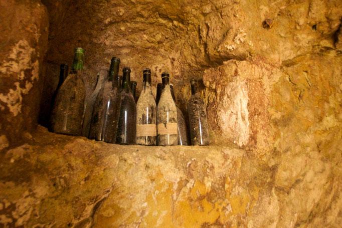 Bottiglie dimenticate nell'Infernot -Vignale Monferrato
