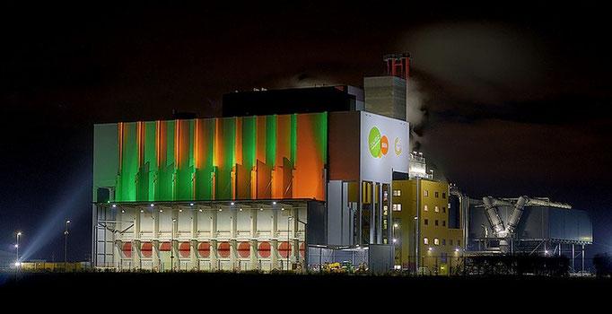 Zorbau, Müllverbrennungsanlage orange / grün