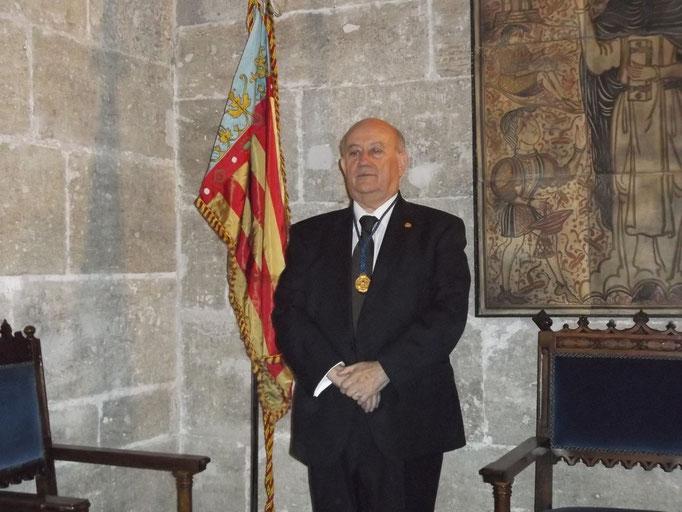 Con la Real Senyera de Valencia