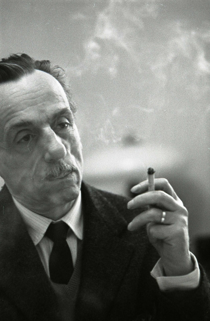 Эдуа́рдо Де Фили́ппо — итальянский комедиограф, актёр и режиссёр. Фотограф — Лев Шерстенников