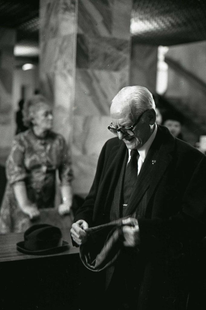 Арманд Хаммер - миллионер, американский предприниматель, коллекционер искусства.  Фотограф — Лев Шерстенников