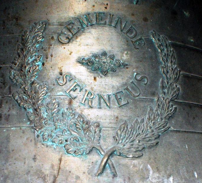 """Glocke der """"Gemeinde Serneus"""""""