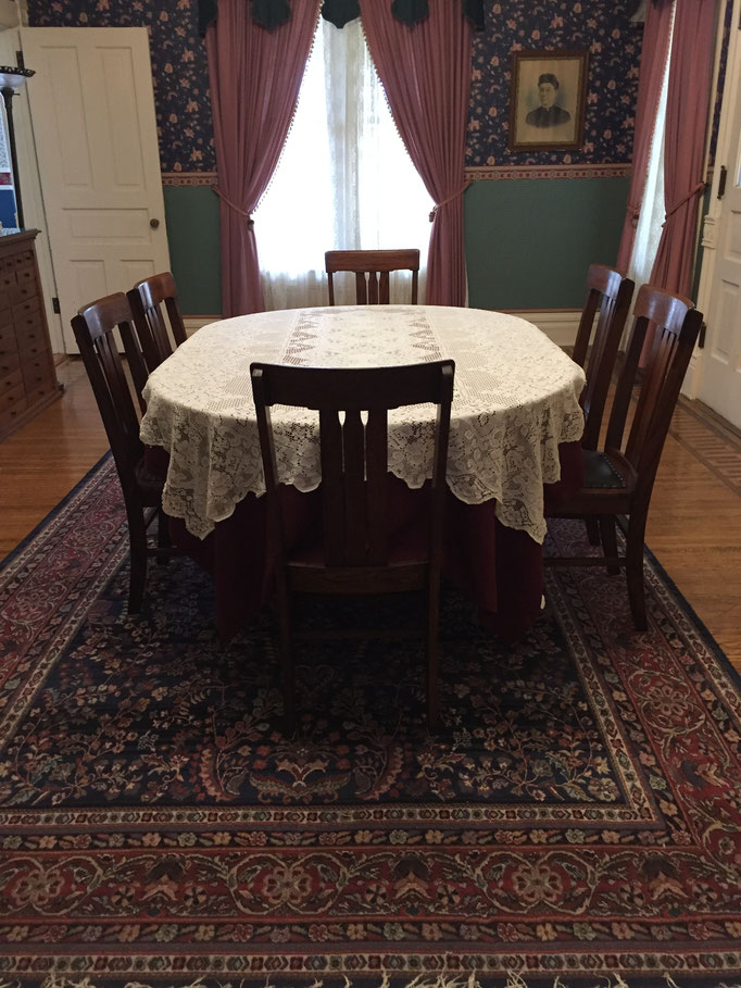 chairs with dining table