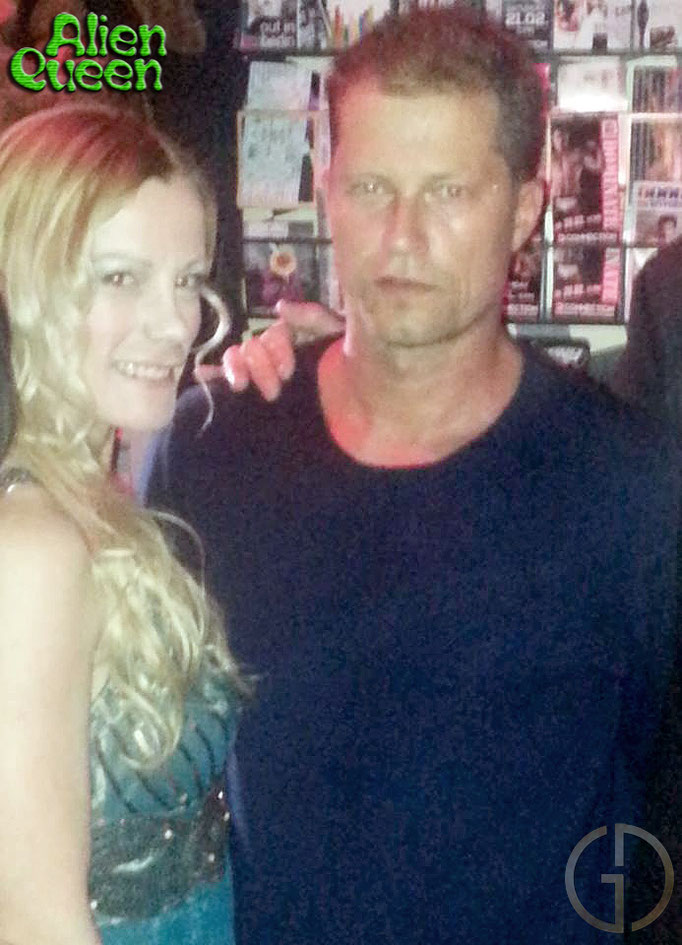 "Til Schweiger is a well known German Actor and Producer who was as well successful in USA, playing in ""Days of Thunder"" (Tom Cruise) and in ""Inglourious Basterds"" (Quentin Tarantino). Til Schweiger ist ein bekannter, deutscher Schauspieler und Produzent."