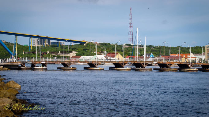 Willemstad Curacao Emma Bridge