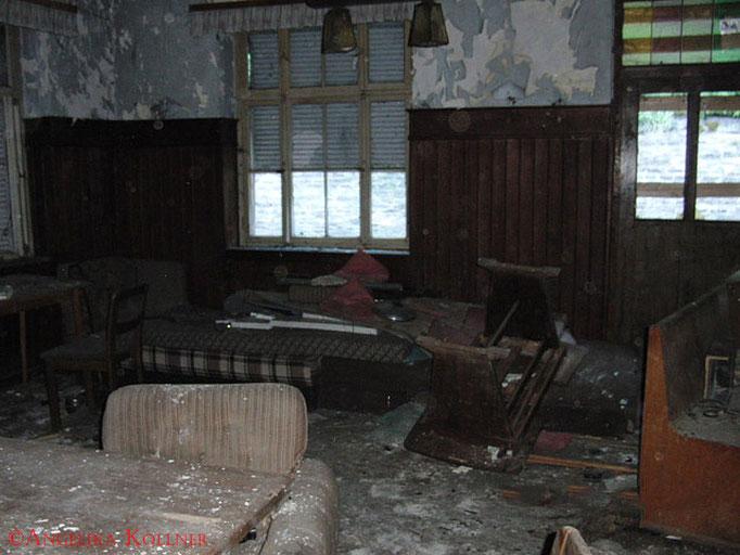 Wirklich schade, dass kaum ein altes Haus vor Randalierern gefeit ist. #Ghosthunters #Geisterjäger #paranormal #ghost