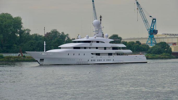 Yacht ILONA