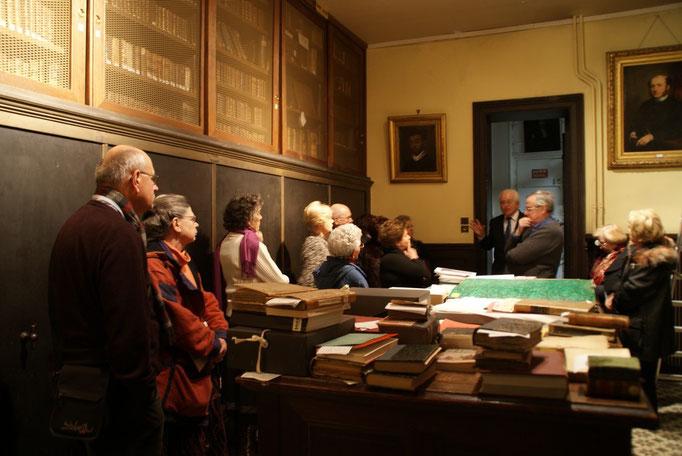 Commentaires sur les collections de livres et sur les tableaux des personnages célèbres