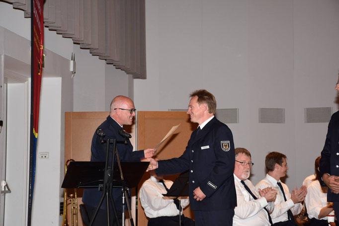 Beförderung durch den Amtsleiter der Feuerwehr Dortmund
