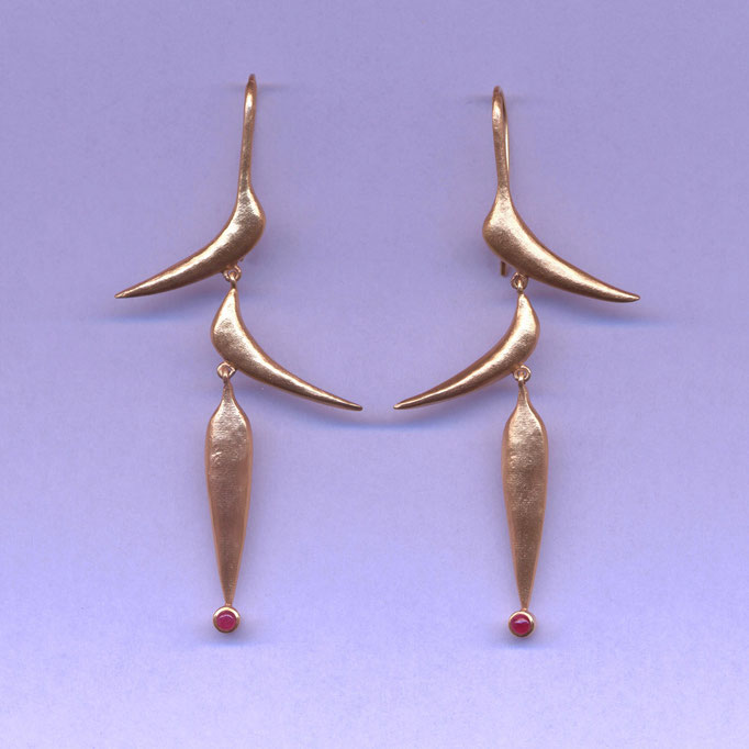 Ohrringe mit Rubin, Gelbgold 750 (zusätzlich vergoldet)