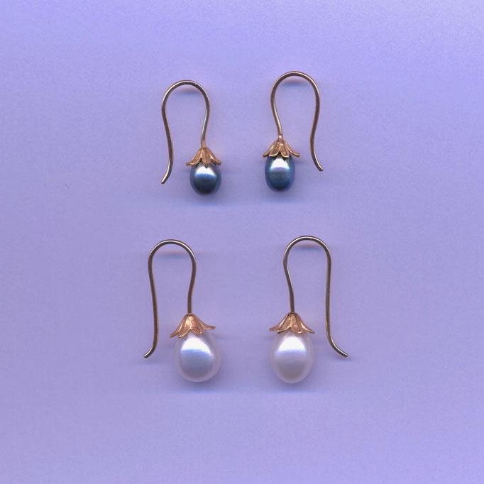 Ohrringe mit Perlen, Gelbgold 900 & 750