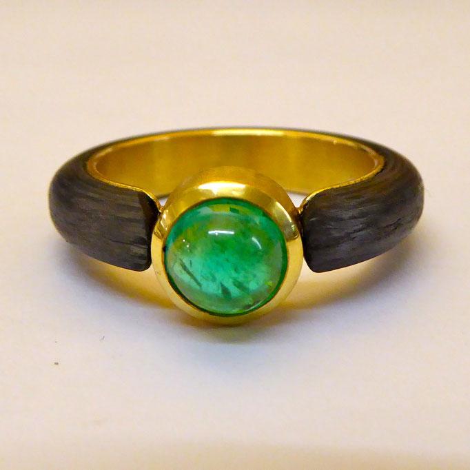 Ring mit Paraiba Turmalin & Carbon, Gelbgold 750