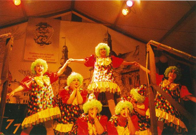 2004 - Die Sunny Girla bereiten ein herrliches Schlussbild