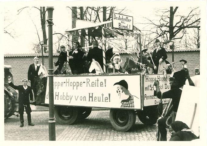 1966 - Aufstellung des Zuges auf dem Burghof