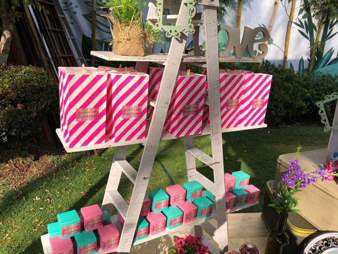 Mesa de dulces colores pastel