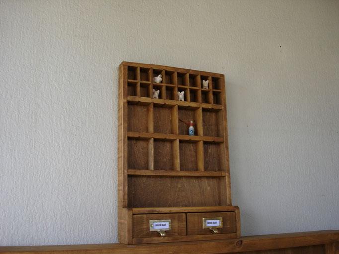 コレクションシェルフ