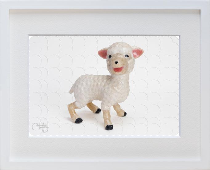 ラベル版画™209 「子羊」/ 2018年制作  / 16mm丸ラベル 209ピース / 27×22cm