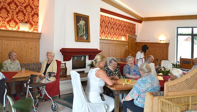Verhinderungspflege oder Vollstationäre Pflege, Haus am Steinbach in Nußdorf