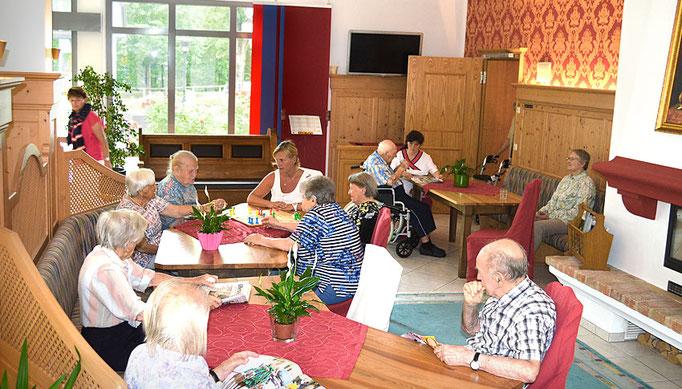 Kurzzeitpflege, oder Vollstationäre Pflege, Haus am Steinbach in Nußdorf
