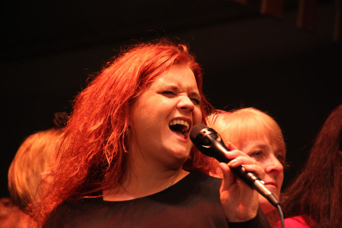 Solosängerin Nina Hetzel, Stimmbildung bei Sing'n'Swing