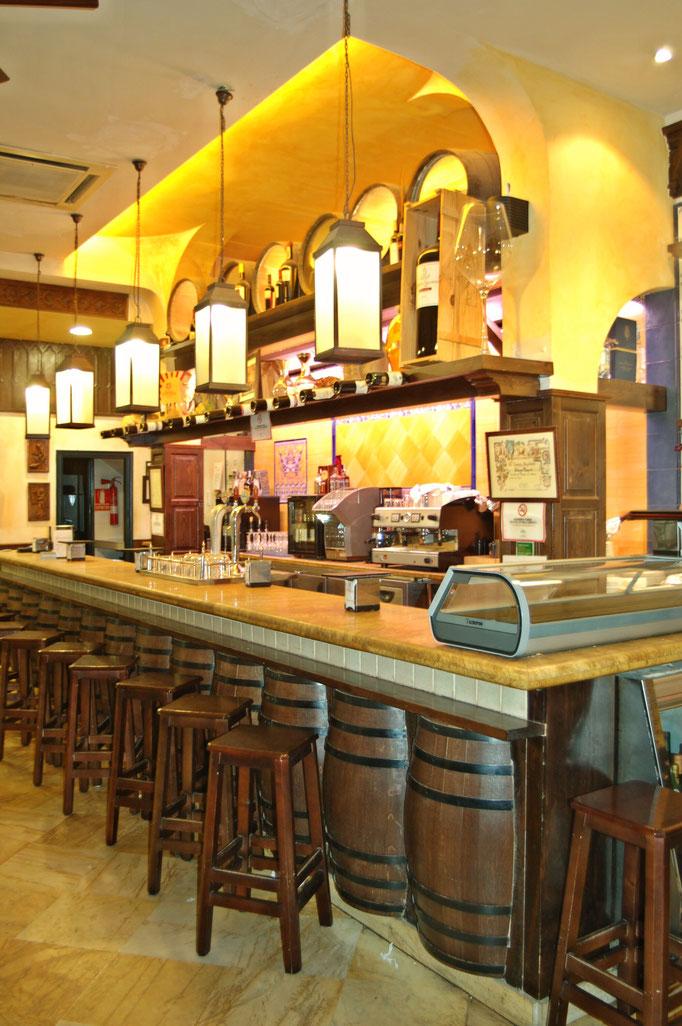 barras de bar  BARRA DE MÁRMOL APOMASADO Y MADERA