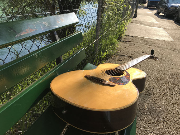 Mai: Ronny, die Gitarre und das Mehr.