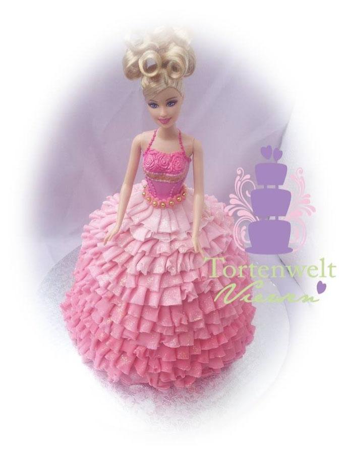 Barbie Torte 89 Euro mit Barbie /alternativ kann die Barbie selber besorgt werden dann nur 80 Euro