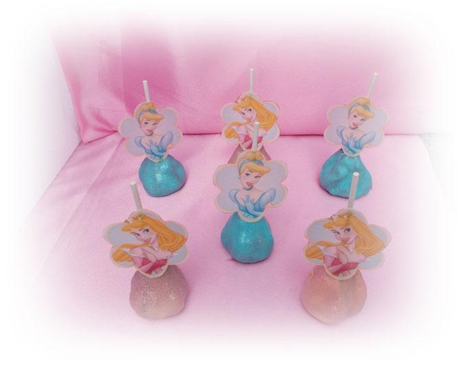 Prinzessinnen Cake Pops 3,90 Euro das Stück