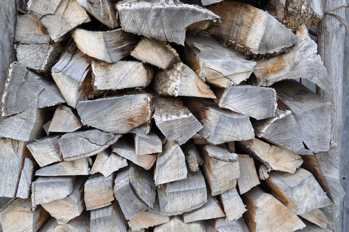 Holz.