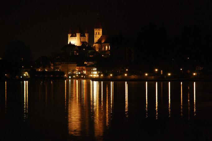 Thun by Nacht vom Aarequai aus.