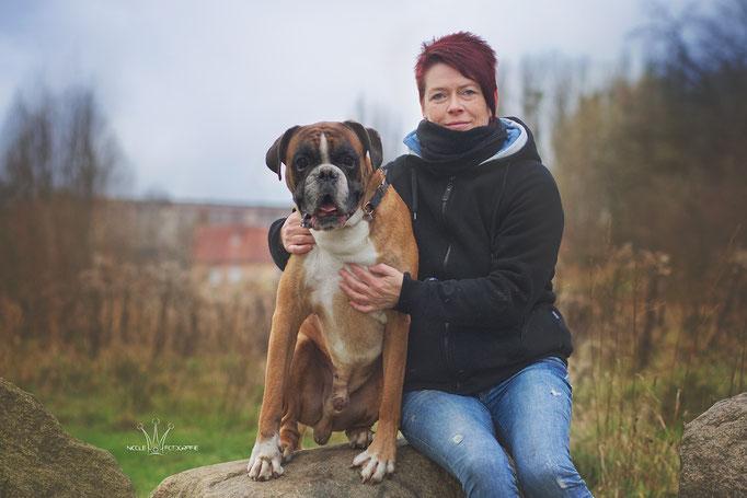Trixie mit Boxer-Rüde Odin