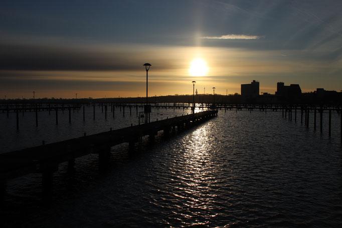 Sonnenaufgang über dem Yachthafen