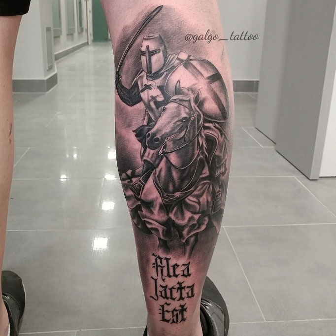 Templar knight horse realistic tattoo on the back of the leg.