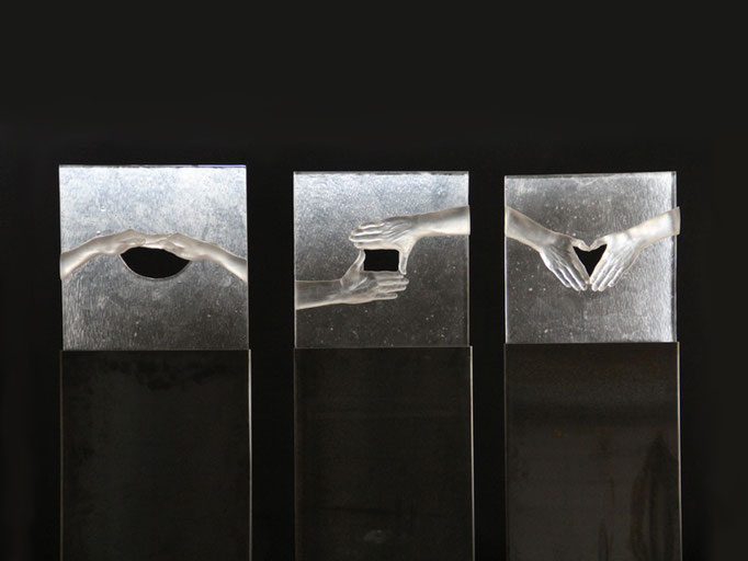 Durchblick, 155 x 46 x 8 cm, Glas auf Metallstele