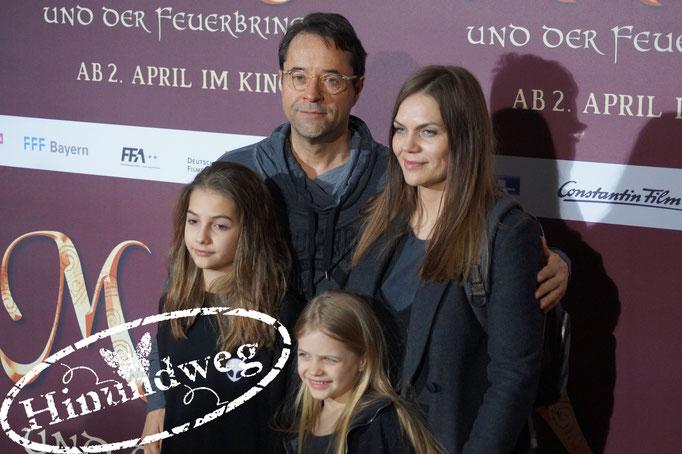 Jan Josef Liefers mit seiner Frau Anna Loos und ihren Kindern Lilly und Lola