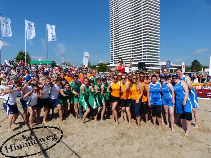 Beachvolleyball-Starcup mit allen Beteiligten