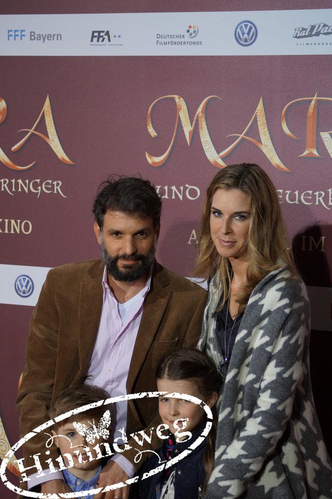 Luca Zamperoni und seine Ehfrau Simone Höller