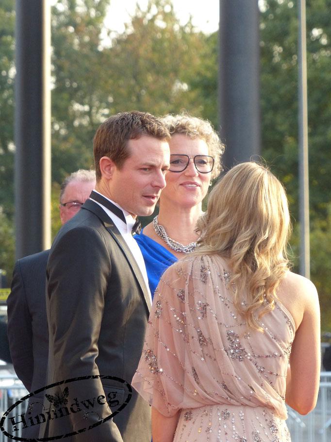 Julia Westlake und Alexander Bommes