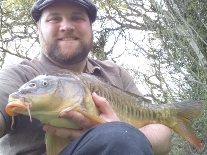 Steve Self with an 8lb 9oz Mirror caught on the top with bread crust