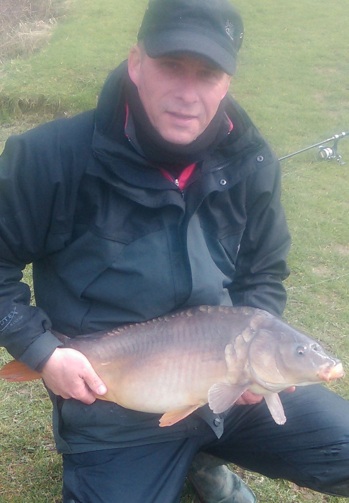 Andrew Grinham and a clonking 15lb 5oz mirror caught on surfaced fished bread