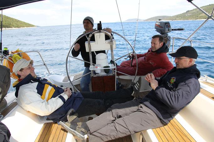 Männer auf Kurs Segeln Coaching Team