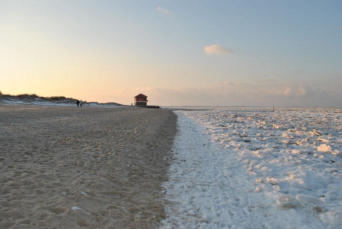 Nordsee am Strand Hooksiel im Februar 2012