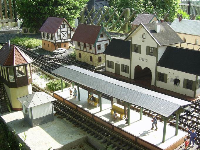 Der Bahnhof im Mai 2012