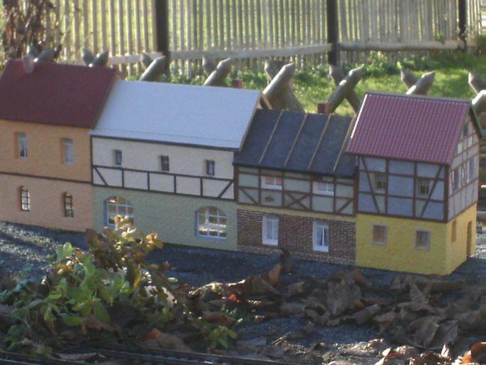 Eigenbau Häuserzeile im November  2011